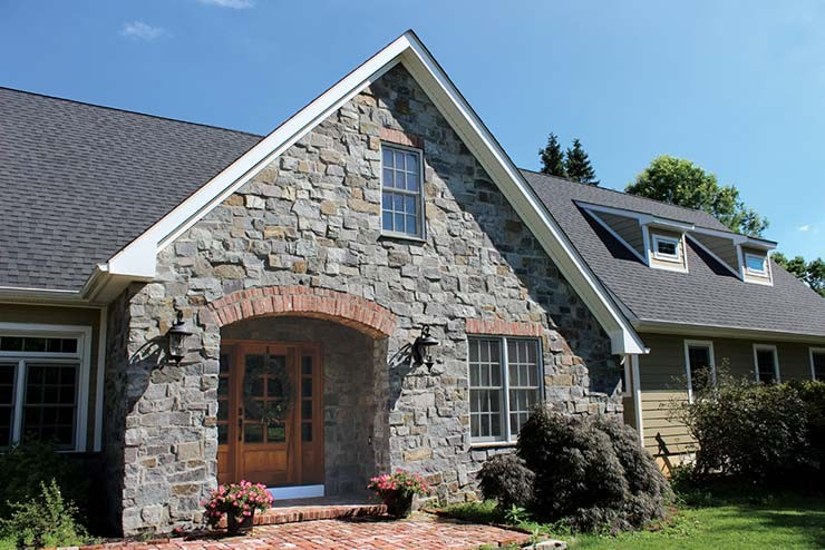pine-lake-stone-archway-home